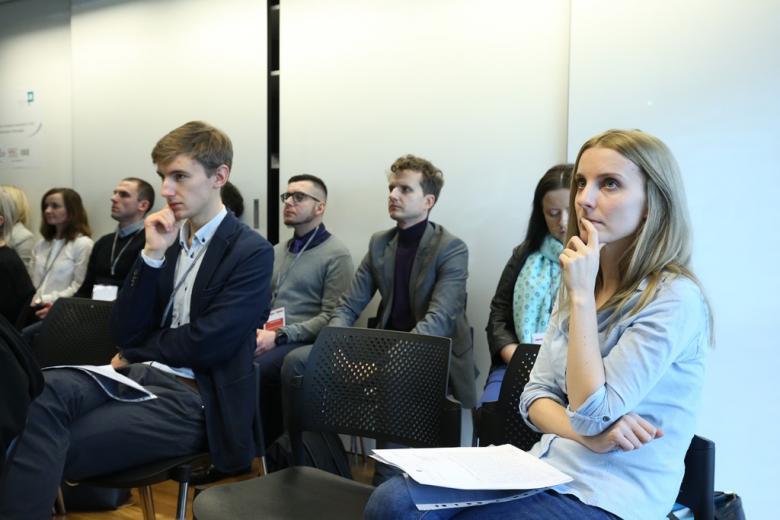 Iczestnicy i uczestniczki panelu