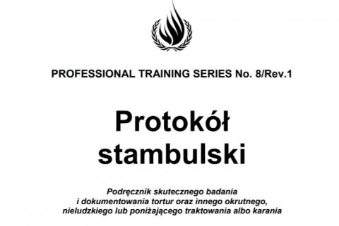 """Biała okładka z czarnym tytułem """"Protokół stambulski"""""""